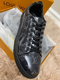 Louis Vuitton Beverly Hills Sneakers Men size 44/9.5/10 E.U edition Silver Spring, 20904