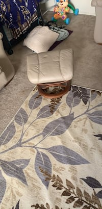 white leather padded chair with brown wooden frame Bladensburg, 20710