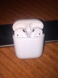 Airpods Chicago