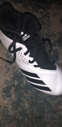 unpaired black and white Adidas basketball shoe Sterling Heights, 48311