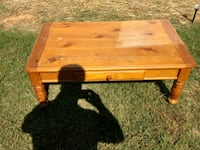 Knotty pine coffee table Knoxville, 37917