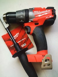 "Milwaukee Tool New Brand Hammer Drill/driver 1/2"" M18-FUEL-Brushless Herramienta Nueva Los Angeles, 91343"