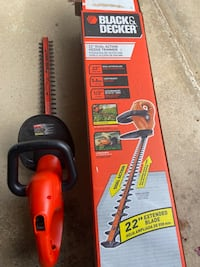 "Black & Decker 22"" dual action trimmer electric"