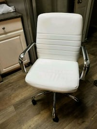 white and gray rolling armchair Antioch, 94531
