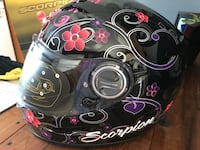 Black and pink scorpion full-face helmet Kelowna, V1V