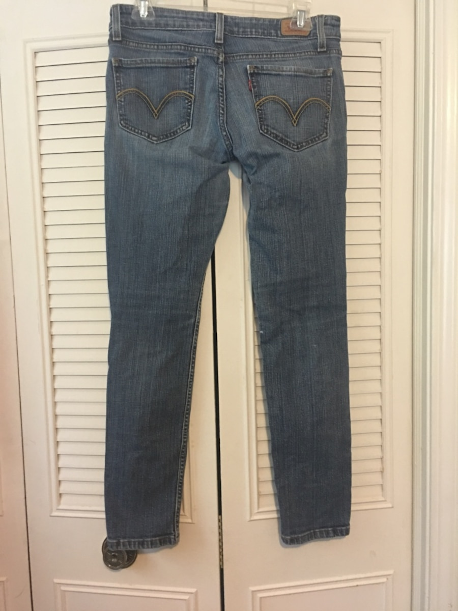 Levi too super low 524 jeans size 7 short in Roswell - letgo