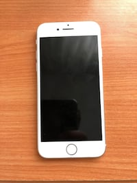 Iphone 8 ( Silver ) 8650 km