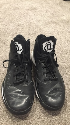 D-Rose basketball shoes size 9