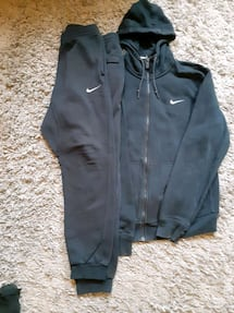 Nike jogger suite