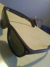 rayban shades. will take offers. mint condition Winnipeg, R2W 1A5