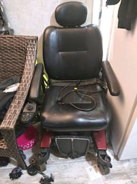Power wheel chair 300.lbs max weight limit