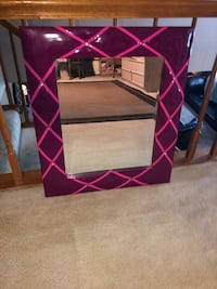 Bright pink/ fuscia Wall hanging mirror Tulsa, 74133