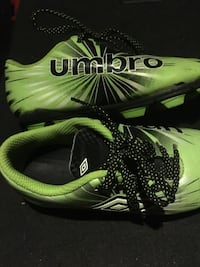 Umbro soccer cleats  Pearl, 39208