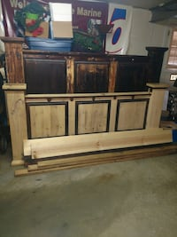 King size wood bed frame Carrollton, 44615
