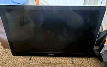 GREAT CONDITION 32 INCH SONY HDTV!!!