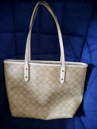 BRAND NEW COACH PURSE!!! NEVER USED Baltimore, 21207