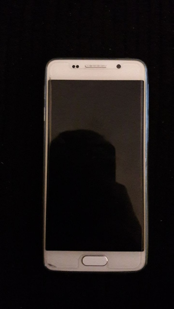 smartphone bianco Samsung Galaxy Android