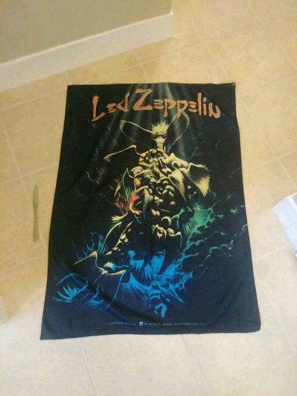 Led zeppelin polyester poster daaf9f56-efcc-4ce9-9f9a-1b30a3078cd1