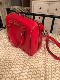 Women's red leather tote Mississauga, L5G 4H3
