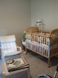Crib with mattress and changing table Omaha, 68142