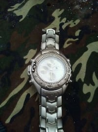 round silver-colored analog watch with link bracelet Belleville, K8P 4E1
