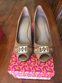 Tory Burch Size 6 Royal Tan Open Toe Wedge Shoes. In excellent condition, wore only a few times. Elk Grove Village, 60007