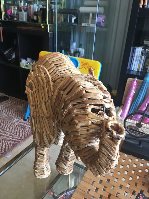 Straw elephant with personality $10 0a8ae77c-fd3b-4acc-bd62-ad239bed7943