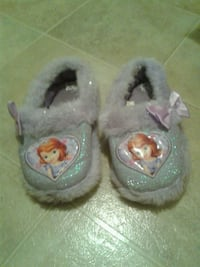 Sofia the first slippers size 9-10  Costa Mesa, 92626