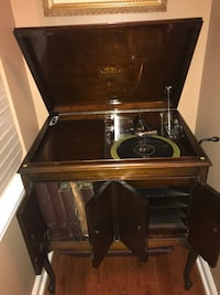 Victor Talking Machine Built in USA includes original record player Ashburn, 20147