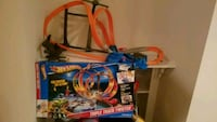 Hot wheels track Triple track twister - Great idea for Christmas gift Gainesville, 20155