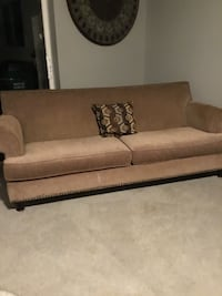 Gorgeous formal studded sofa  Wesley Chapel, 33545