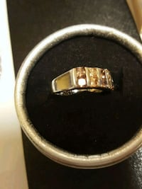 silver and gold ring in box Salaberry-de-Valleyfield, J6T 1P4