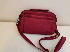 LUG Purse. Crossbody