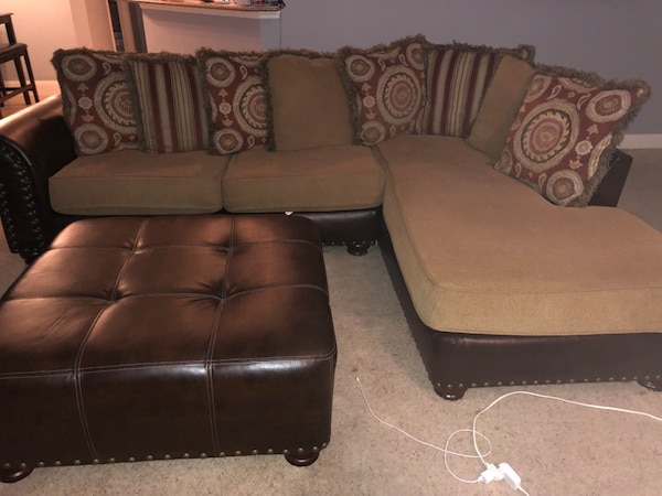 Sectional couch with ottoman and round spinning extra large cuddle chair