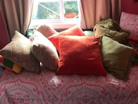 8 throw cushions Mississauga, L5N 2W4