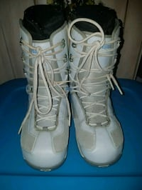 Size 10 womans snowboard boots.