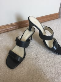 Anne Klein black leather sandals. Price reduce. Very Comfortable Calgary, T2Z 3R3