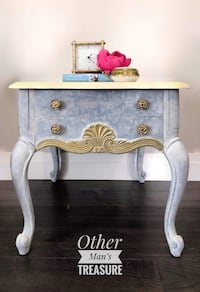 French Provincial side table Toronto, M1M 2V3