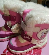 NWT size 9 toddler boots Markham, L6C