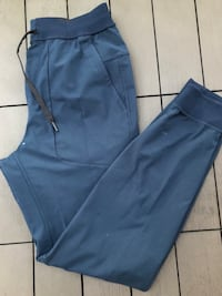 LULU MENS JOGGERS - Size M North Vancouver
