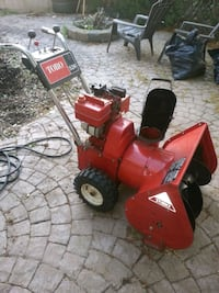 Toro 524 snow blower with electric start  Edmonton, T6T 1K7