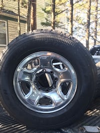 """Dodge 2500 17"""" Rims 8 lug and Caps and I believe all the lugs  Arbutus"""