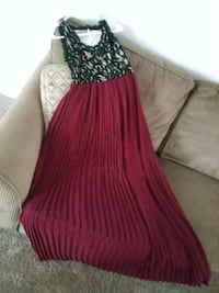 Black and maroon evening gown 1262 mi