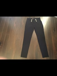 Girls size medium pants (Like New ) 533 km