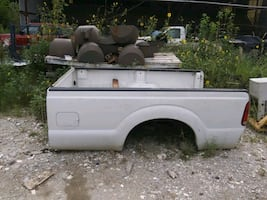 TRUCK BED WITH CAMPER TOP