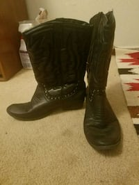 Black cowgirl boots. Size 9 Layton