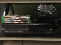Xbox One w/ controller and 3 games Laredo, 78041