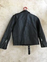 Boy' size 16 leather jacket. Great condition !