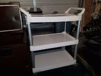 Rubbermaid serving cart Edmonton, T5L 0N2