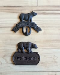 Metal bear welcome hook and wall plate